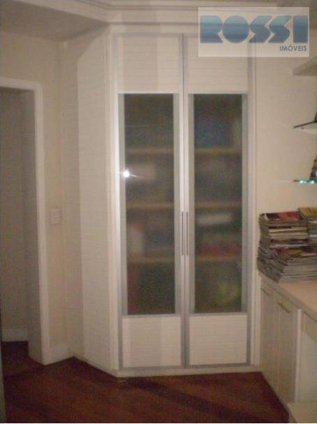 Sobrado de 4 dormitórios à venda em Vila Carrão, São Paulo - SP