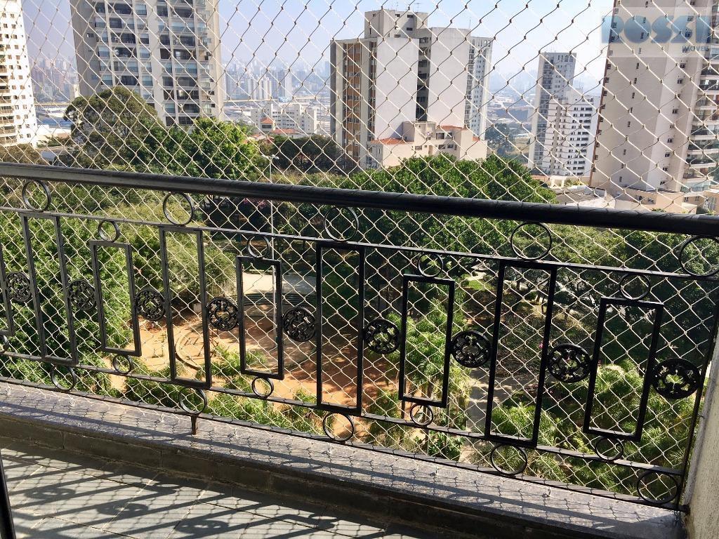 Apartamento com linda vista em praça arborizada à venda, Parque da Mooca, São Paulo.