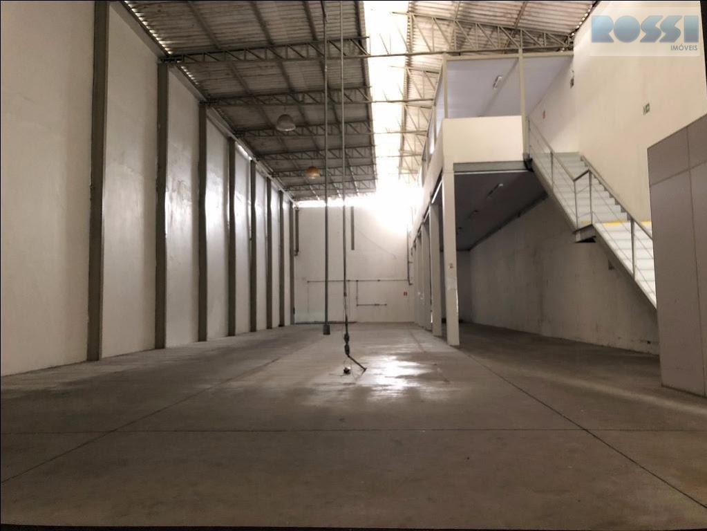 alugo galpão 500m² na mooca.pé direito alto , semi novo , 4 wcs , garagem.