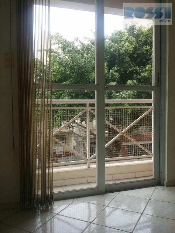 apartamento contendo 2 dormitórios, wc social, sala living 2 ambientes com sacada, cozinha, área de serviço.1...