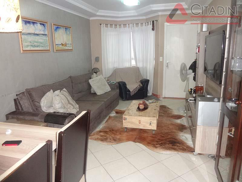 Total Imóveis - Casa 3 Dorm, Condomínio Isis
