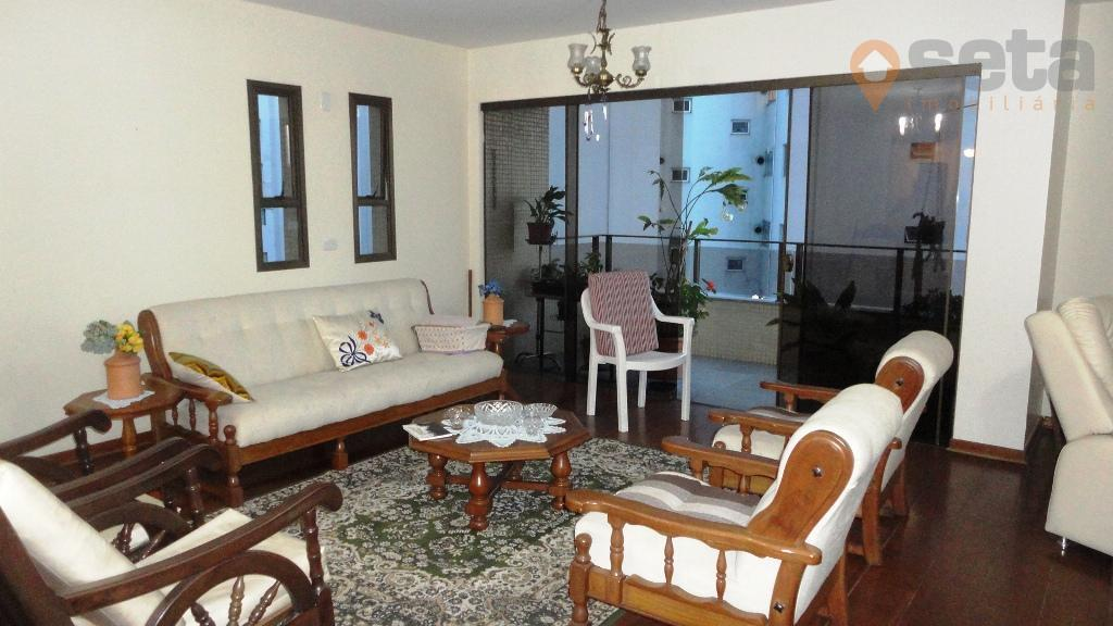 Apartamento residencial à venda, Vila Adyana, São José dos Campos - AP0569.