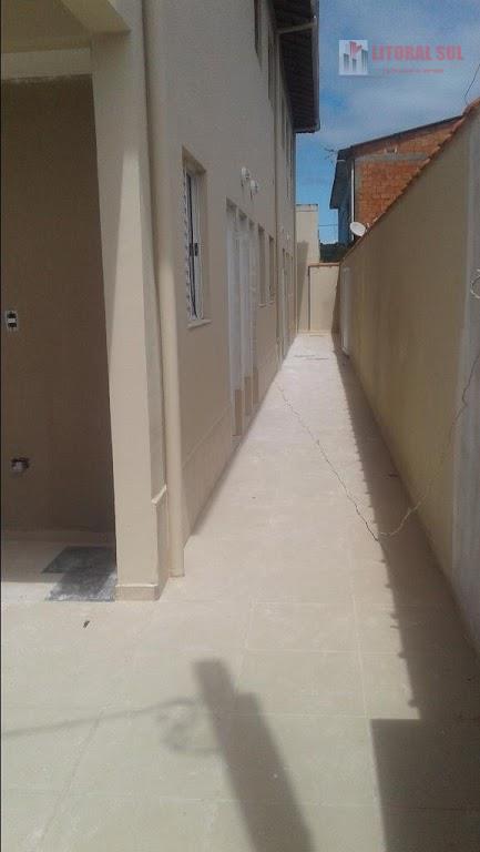 Casa de 01 dormitório no Jd Melvi na Praia Grande, 01 sala 01 banheiro, 01 dormitório, 01 vaga de garagem, 01 cozinha, 01 lavand