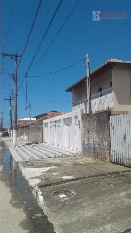 Casa de 01 dormitório no Jd Melvi na Praia Grande, sendo em condomínio,  com 01 sala, 01 dormitório, 01 vaga de garagem, 01 banh