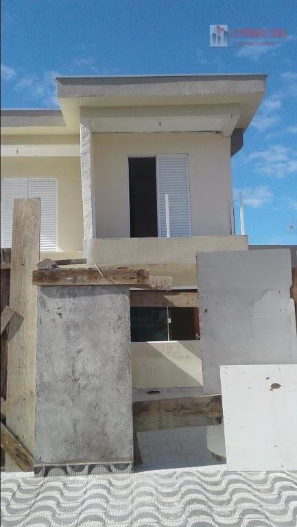Sobrado 02 dormitórios no Jd Melvi em Praia Grande, sendo 02 suítes e 01 com varanda, 03 banheiros, 01 sala, 01 cozinha com saíd