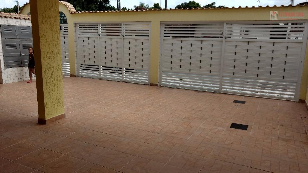 Sobrado 02 dormitorios em Praia Grande SP sendo 01 cozinha 01 banheiro, lavanderia ,sala, area de serviço, 01 vaga de garragem c