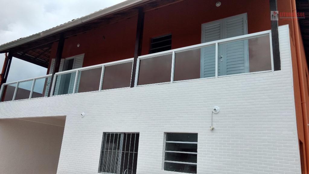 Sobrado de 02 dormitorios no Jardim Melvi Praia Grande SP senda 02 banheiros , sala cozinha , area de serviço , 01 vaga de garag