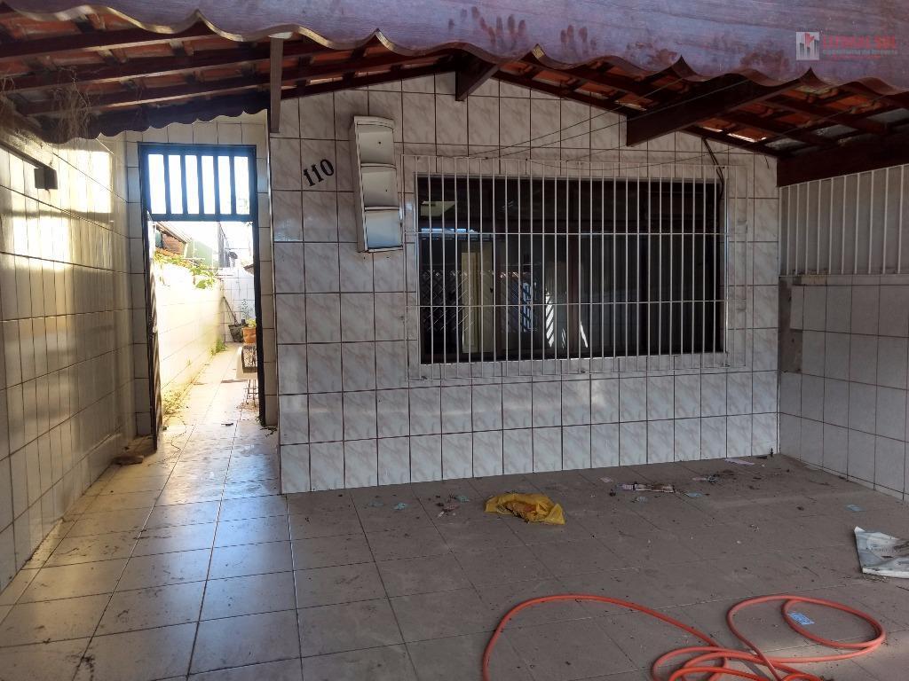 Sobrado 03 dormitorios Vila Mirim Praia Grande sendo uma suite com sacada, 02 vagas de garagem,sala dois ambiente com sanca de g
