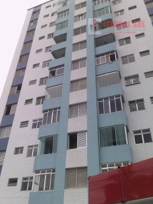 Apartamento em Praia Grande, Ocian, frente e vista para o mar, mobiliado,próximo a todo tipo de comércio, 2 dormitórios, sala, c