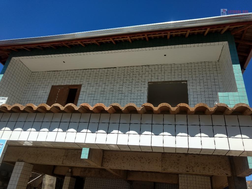 Casa na Guilhermina de 02 dormitorios de condominio sendo 01 sala , cozinha , lavanderia , quintal nos fundos, 01 banheiro , 01