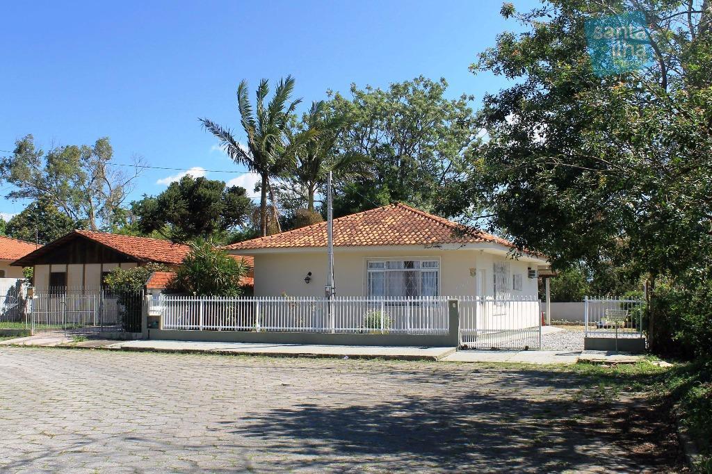 Casa térrea no Carianos em loteamento