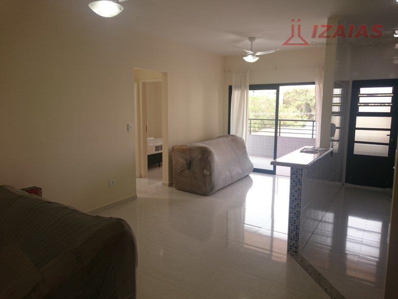 ótimo apto contendo 3 ótimos dormitórios,  bem mobilado com ar condicionado (novo)