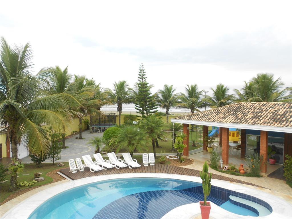 excelente imóvel com vista para o mar, sala 03 ambientes, cozinha,lavanderia, dispensa , 03 dormitórios com...