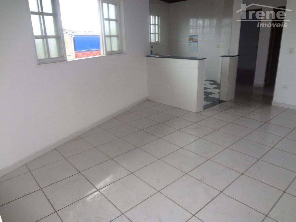 imóvel residencial, com 02 dormitórios, sala, cozinha, banheiro e lavanderia. próximo de comércios.