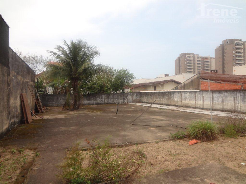 área  na principal avenida de itanhaém,  ideal para investidores.agende sua visita!!