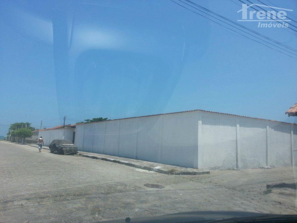 área com 3.750 m2totalmente limpo, seco e planoa 100 metros da praialocalização perfeita para construção de...