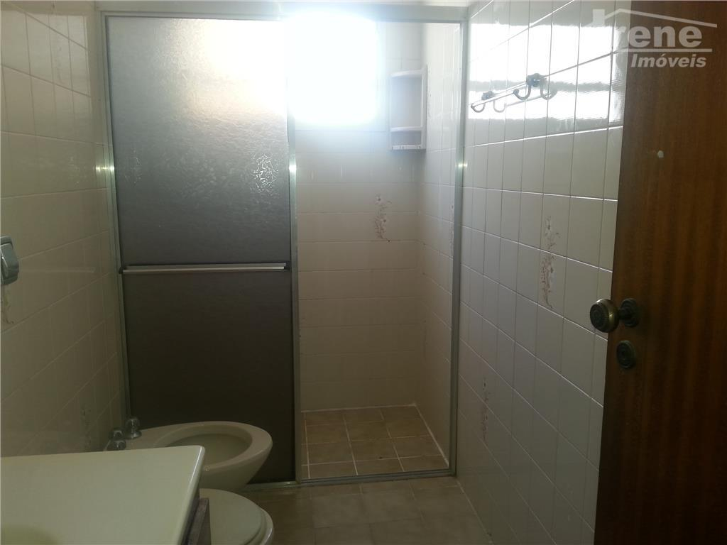 apartamento com 02 dormitórios, sala, cozinha, banheiro, lavanderia01 vaga de garagem coberta,próximo do centro de itanhaém.ótima...