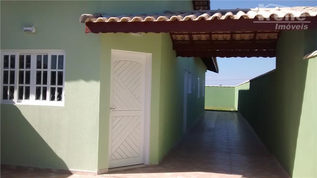 casa térrea em itanhaém 2dorms (1suite), sala, cozinha (sist.americano), 2 banheirosgaragem para vários autos, 900mts da...
