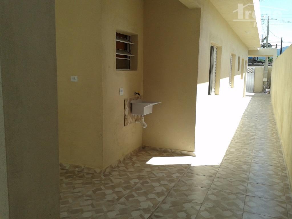 2 dormitórios (sendo 1 suíte),sala,cozinha americana,banheiro social,área de serviço e lavanderia cobertos,garagem para 2 veículos,agende sua...