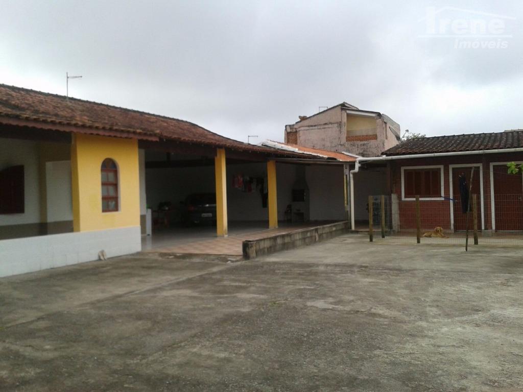 4 dormitórios (sendo 1 suíte),sala, cozinha,banheiro,amplo quintal,agende sua visita...