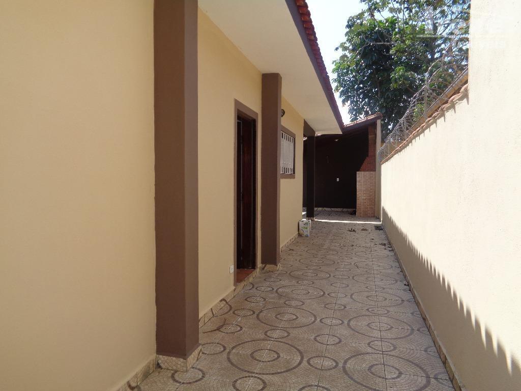 lugar privilegiado suarão.terreno inteiro 250 m²construção 94 m²
