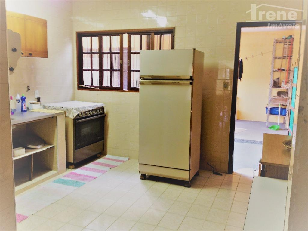 aproximadamente 150 metros da praia.02 dormitórios.sala espaçosa para 02 ambientes. cozinha tem interação com a sala.quintal...