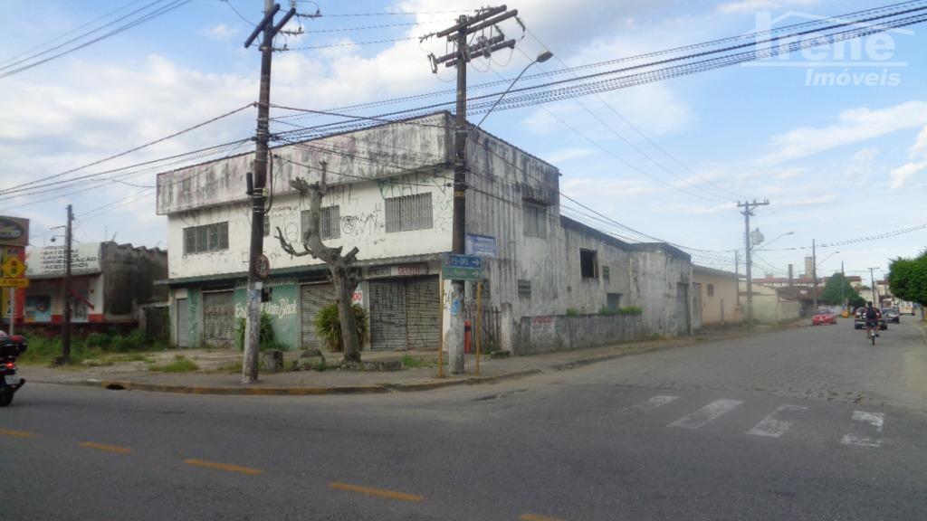 prédio comercial , ótima localização.573 m² terrenoprecisa de reforma ou demolição.apartamento em cima.
