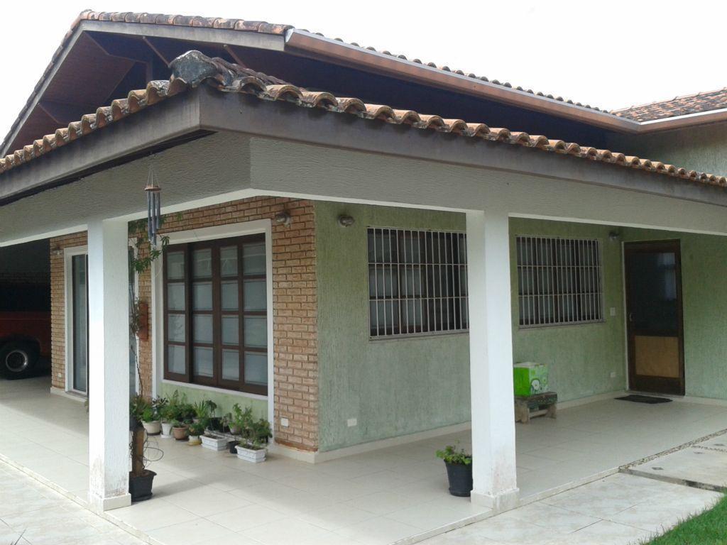 imóvel próximo da praia e do comércio da região. possui 3 dormitórios sendo 1 suíte -...