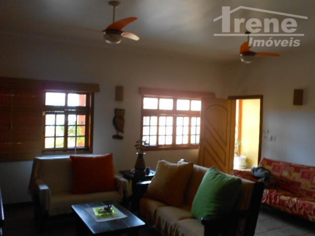 bela casa ampla frente o mar...3 dorms(1suíte), sala 2 ambientes, 2 banheiros social, cozinha, churrasqueira, amplo...