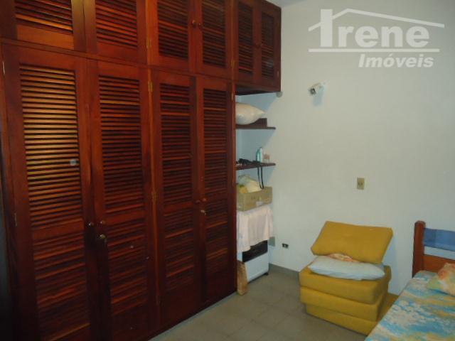 imóvel lado praia, com 03 dormitórios, 02 suítes sala com 02 ambientes, garagem para 04 carros...
