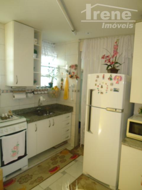 apartamento 02 dormitórios, sala, cozinha, banheiro social e lavanderia. condomínio com piscina, churrasqueira e área de...