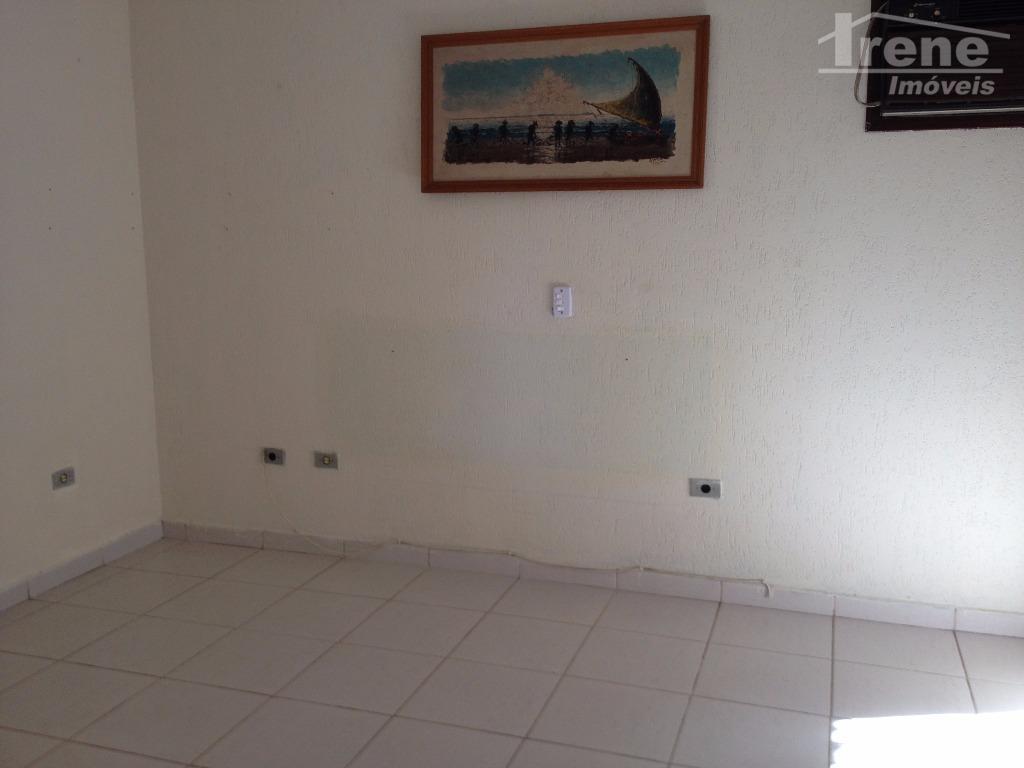 casa em ótima localização 03 dormitórios, sendo 01 suite sala ampla com cozinha conjugadajardim de invernogaragem...