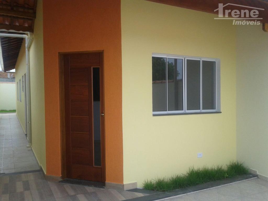 bela casa em bairro residencialsão dois dormitóriossala e cozinha americanabanheiro socialrua pavimentadacomércio e vizinhos fixosescolas e...