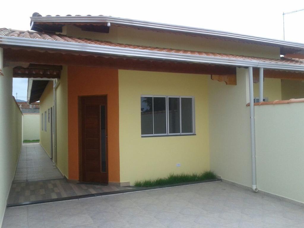 Linda casa em bairro residencial.