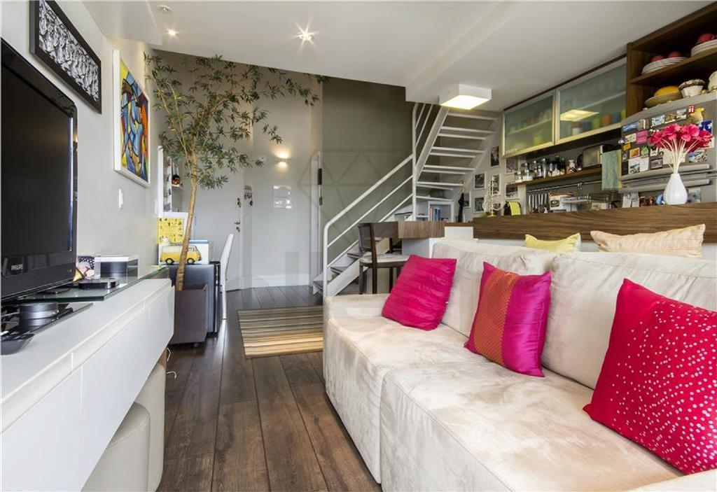 duplex super charmoso com vista linda, com projeto bem resolvido, em prédio com lazer completo, com...