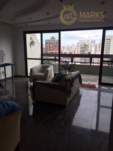 cobertura com ótima distribuição, sendo no piso inferior a sala para dois ótimos ambientes, varanda ampla,...