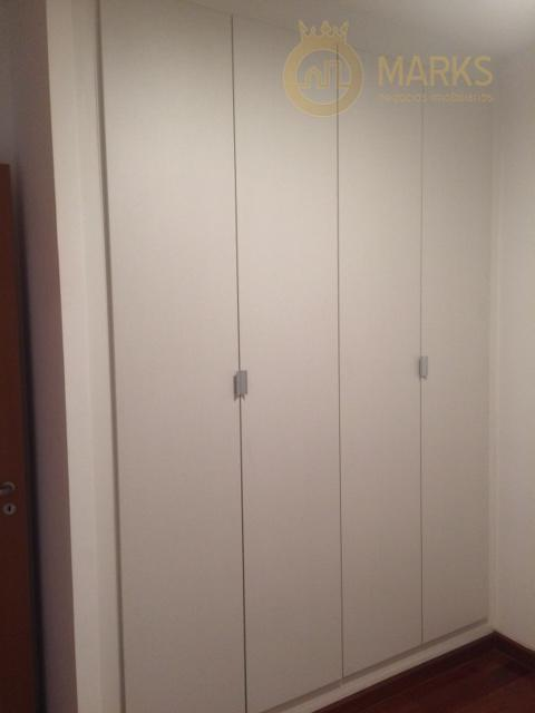 excelente apartamento alto padrão no miolo da chacara klabin em rua tranquila e arborizada.3 suítes com...