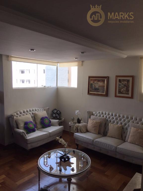 Excelente apartamento com vista e bem ensolarado, um por andar