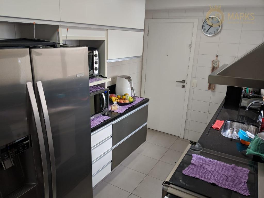 lindo apartamento em condomínio clube com muita segurança e lazer !4 dormitórios, sendo 3 suítes com...