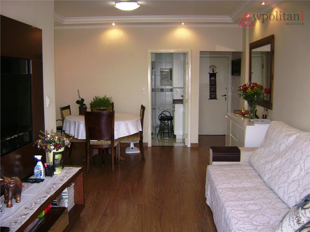 amplo apartamento reformado com acabamento de bom gosto, papel de parede, sancas de gesso com projeto...