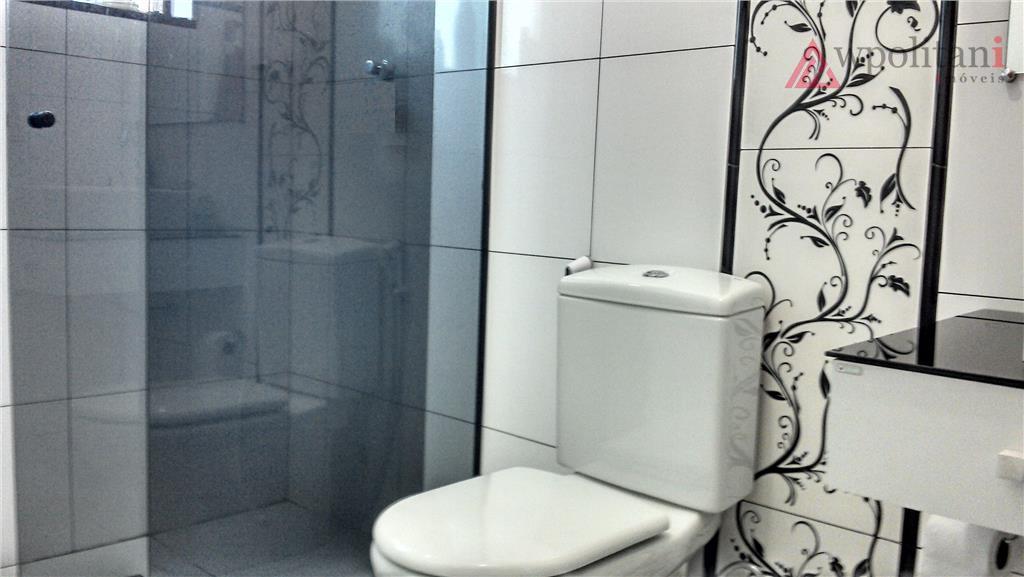 ampla casa com 298 m² ac, bem localizada, reformada recentemente, piso em porcelanato; com 04 dorm.,...