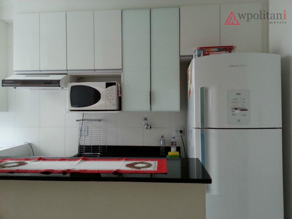 ótimo apartamento 2 dorm., 1 suíte com blindex, móveis planejados na cozinha, lavanderia, sala, nos dois...