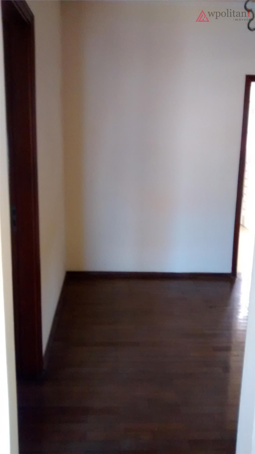 centro - casa - 2 dormitórios, sala, copa, cozinha ampla, área de serviço, quintal com rancho...