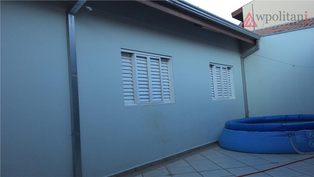maravilhosa casa térrea com 170 m² ac, terreno de 250 m²; muito bem acabada, sancas, jardim...