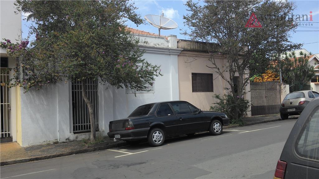casas geminadas na região central em terreno de 377 m². opção para renda ou para construção...