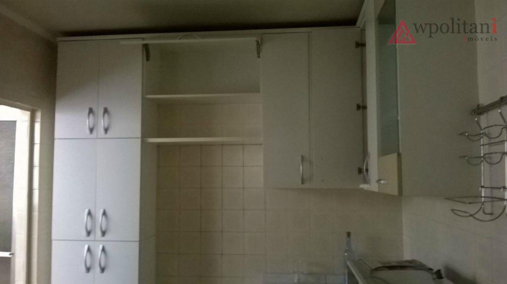 ótimo imóvel, primeiro andar, reformado há pouco tempo, armários na cozinha.