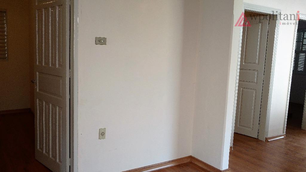 casa térrea em terreno inteiro na região central, contendo 03 dormitórios, ampla sala com 02 ambientes,...