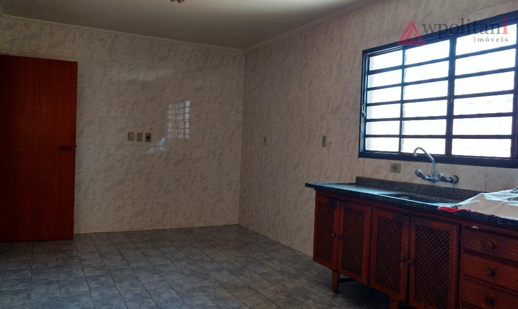 ótima casa com 03 dormitórios e 01 suíte com banheira e armário embutido, terreno de 200...