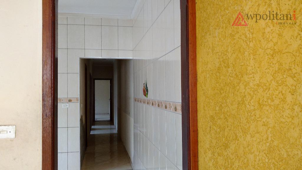 casa com 03 dormitórios e 01 suíte, finalizando reforma, bem localizada no bairro, com 03 vagas...