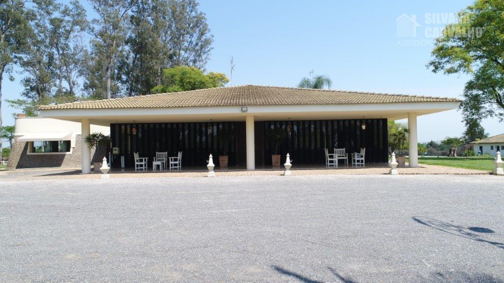 excelente propriedade com 1.800 m² de terreno e 543,70 m² de área construída;5 suítes com armários...